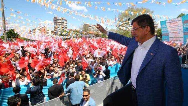 Davutoğlu: Adnan Menderes asılırken MHP neredeydi?