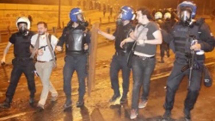 Polis, 200 bin sahte Twitter hesabının peşinde