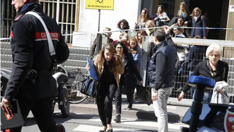 İtalya'da Adalet Sarayı'nda silahlı saldırı