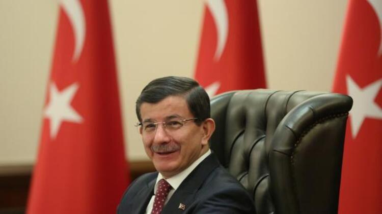 Başbakan Davutoğlu'ndan elektrik kesintisi açıklaması