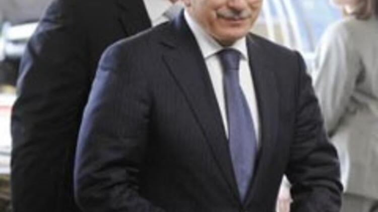Davutoğlu'ndan GS'ye Neo-Con benzetmesi