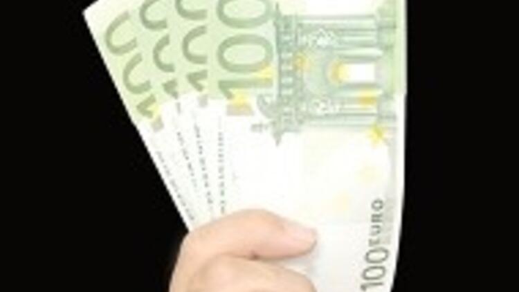 Avrupa futbolu 14 milyar Euro'yu buluyor, kara para izi görülüyor