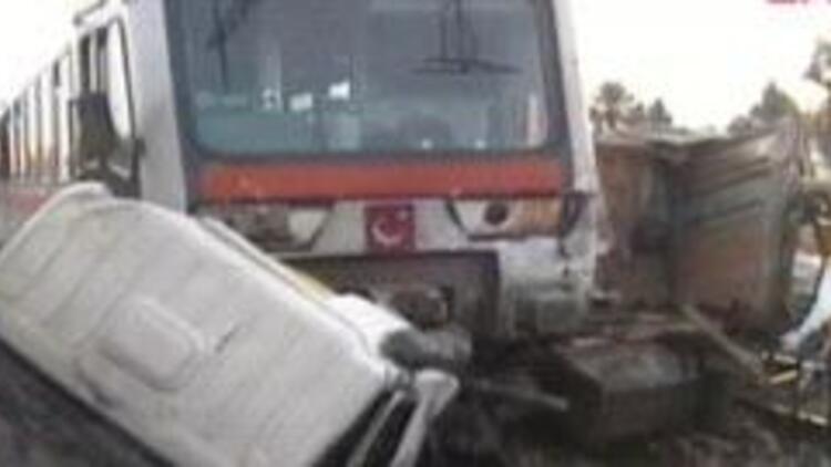 Tren kazası: 10 ölü