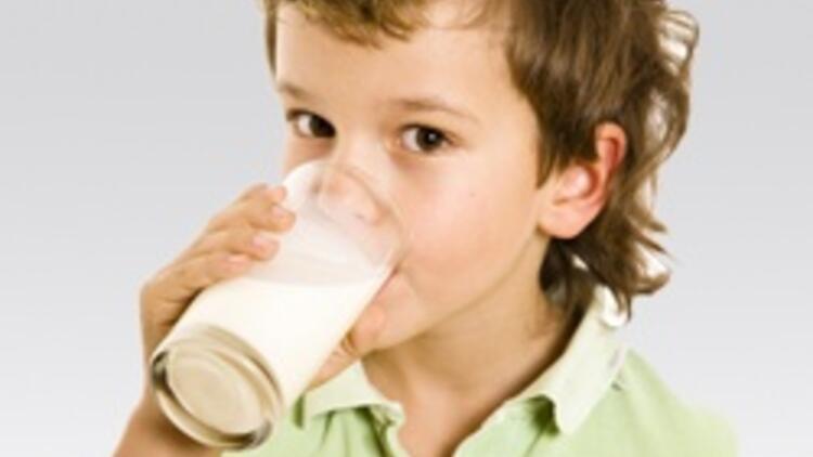 'Çocuklara süt içirmeyin' çağrısına tepki