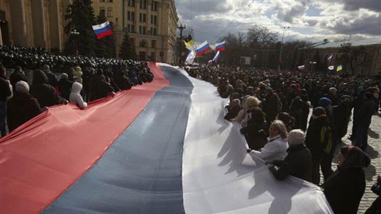 Kırım bağımsızlık ilan edip, Rusya'ya başvurdu