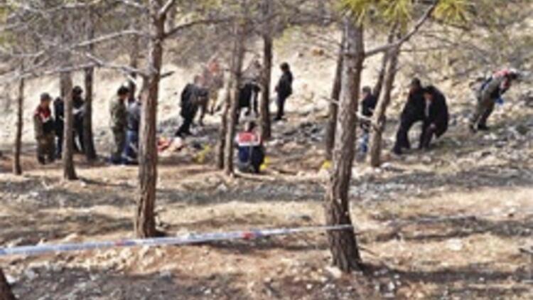 Genç kızı ormanda öldürdüler