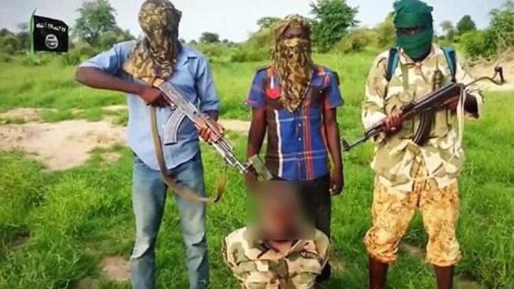 Boko Haram, ilk kez kafa kesme videosu yayınladı