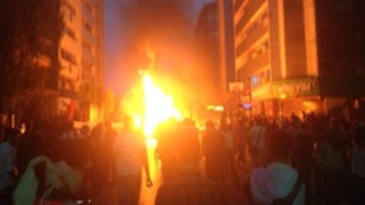 İzmir'deki gösterilerde korkulan olmadı