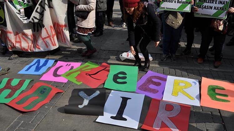 İzmir'de 'Nükleer'e hayır' eylemi