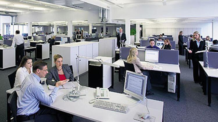 İngiltere dört günlük çalışma düzenini tartışıyor