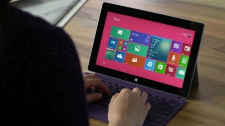 Surface Pro tutmadı, Microsoft milyar dolarlık zarar etti