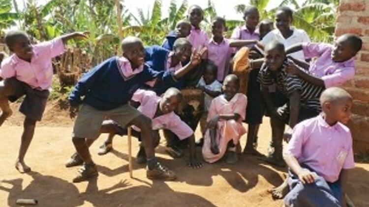 Uganda'nın gerçek yüzünü yetim çocuklarla oynarken öğrendim