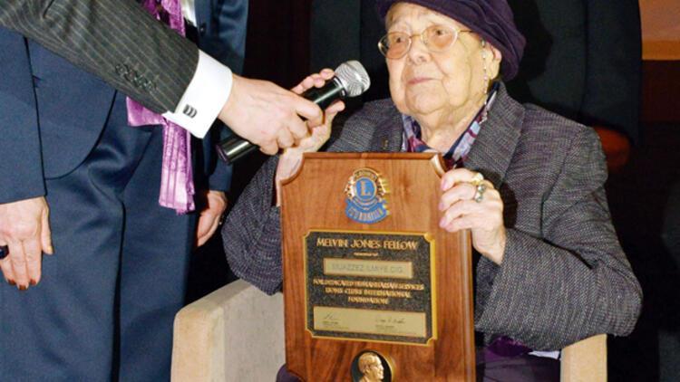 İlmiye Çığ'a 100üncü yaşında anlamlı ödül