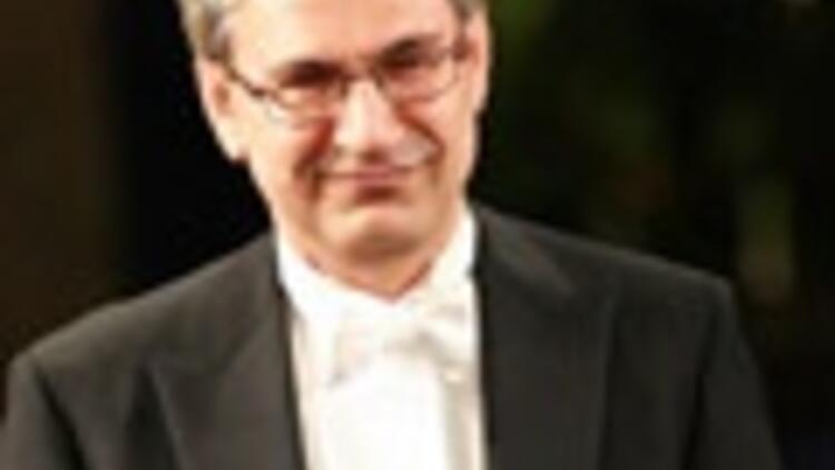 Pamuk,  Cannes'da jüri üyesi