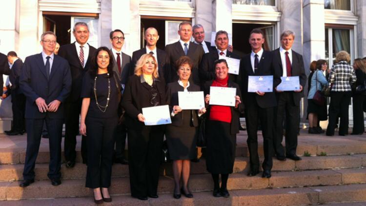 Türkiye'deki Fransız okullarına üstün eğitim ödülü
