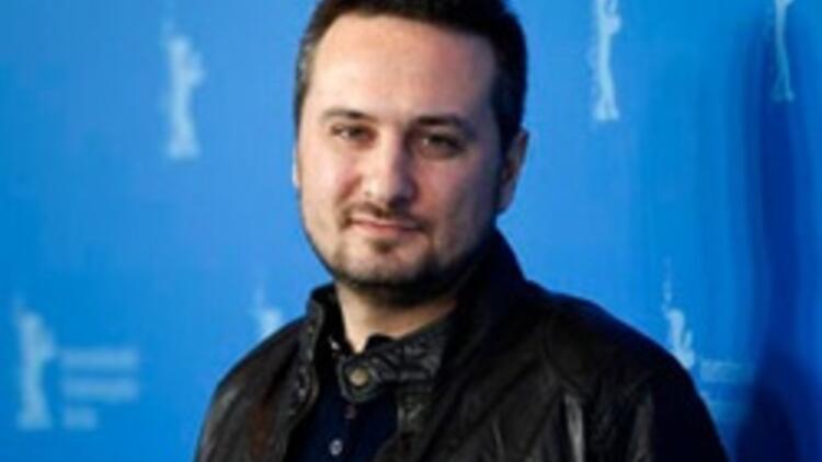 Genç yönetmen Seyfi Teoman kaza geçirdi