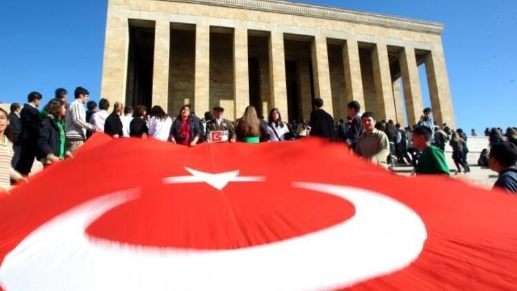 Photo Ed: Turkey commemorates Ataturks passing