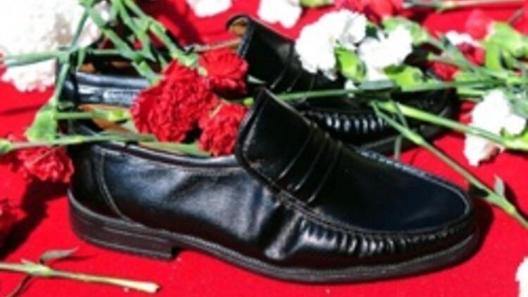 Sessiz ayakkabılar Taksim'de
