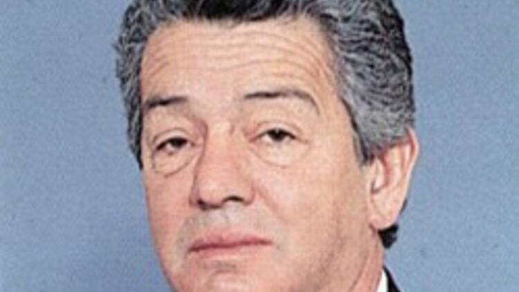 Eski Bakan Nafiz Kurt hayatını kaybetti