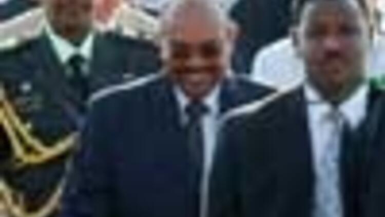 Gov't keeps up Sudan defense