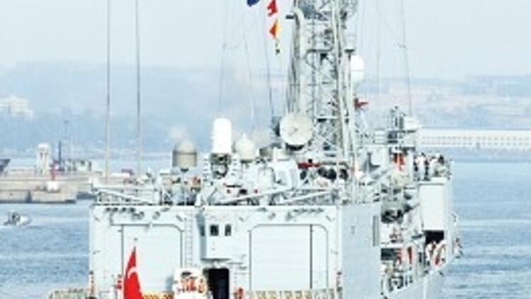 Türk gemileri Libya'ya