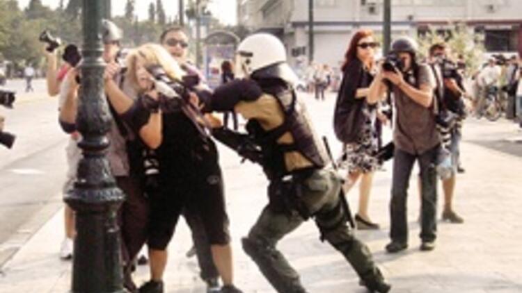 Yunanistan'da hayat yine genel grevle durdu