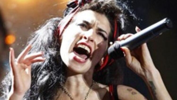 Amy Winehouse İstanbul'a gelmiyor