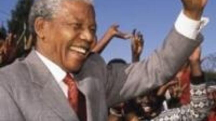 Irkçılıkla mücadeleyle geçen bir ömür: Nelson Mandela