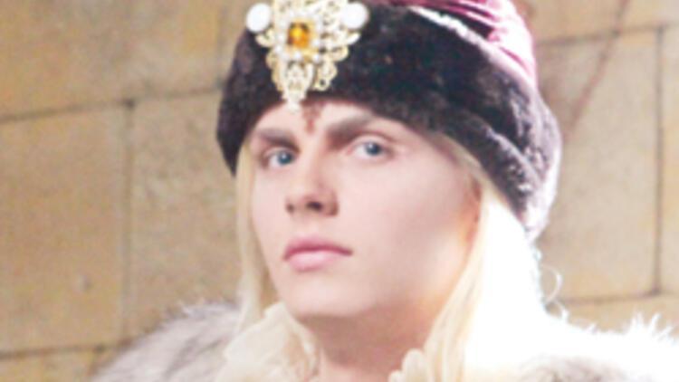 Eflak Prensi yüzünü gösterdi
