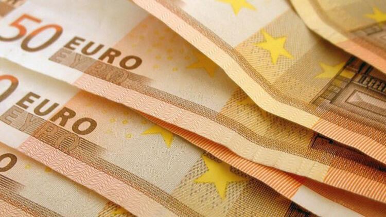 Euro 15 ay sonra ilk kez 3 lirayı aştı