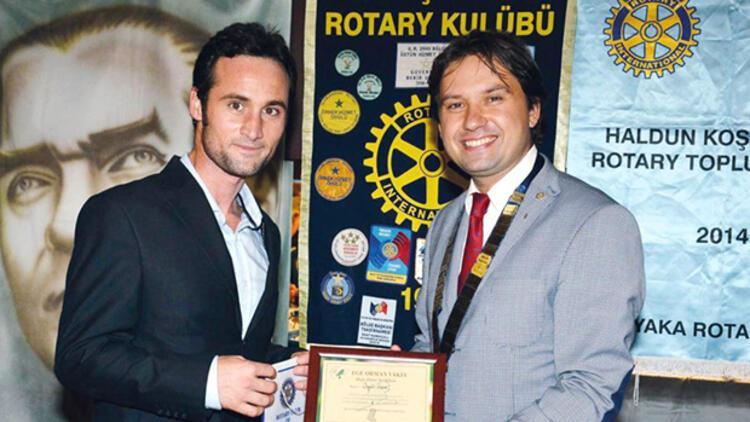 Rotaryenler'e Oy ve Ötesi'ni anlattı