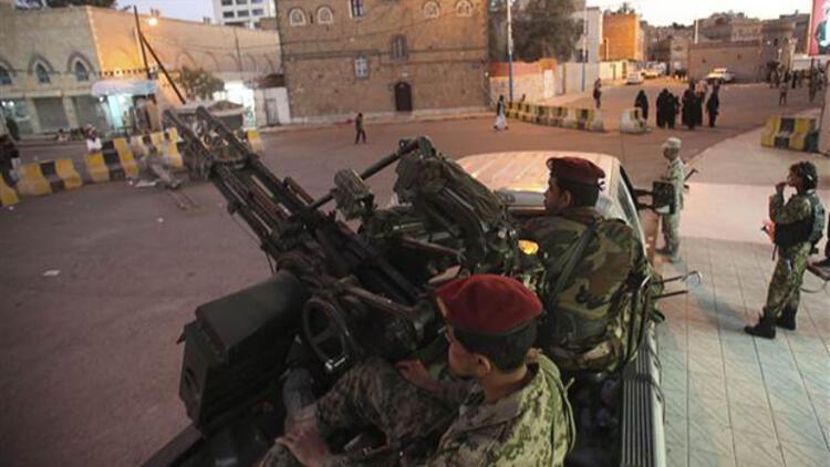 Yemen'de Şii Husiler yönetimi devraldı