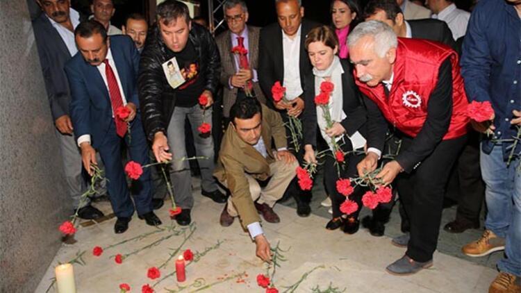 İzmir'de, Deniz Gezmiş ve arkadaşları anıldı