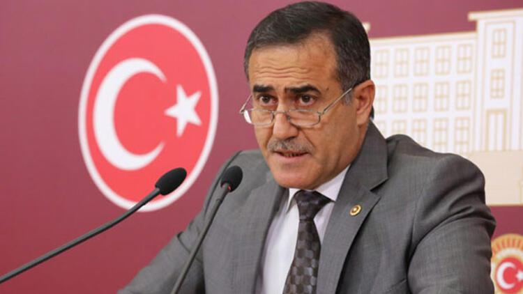 İstanbul milletvekili İhsan Özkes CHP'den istifa etti