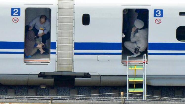Japon yolcunun kendisini yaktığı trende son bilanço: 2 ölü, 26 yaralı