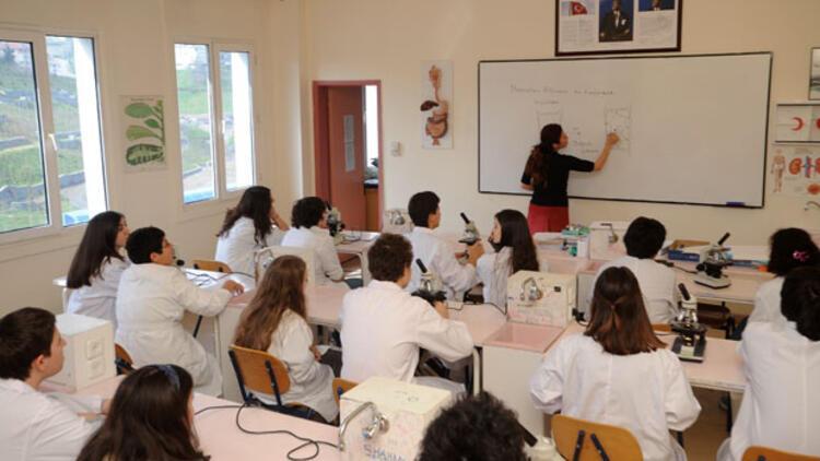 OECD raporu: Türkiye'de öğretmen maaşları OECD ortalamasının altında