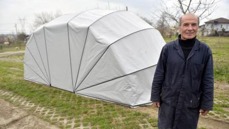 Aracını korumak için 'portatif çadır garaj' üretti