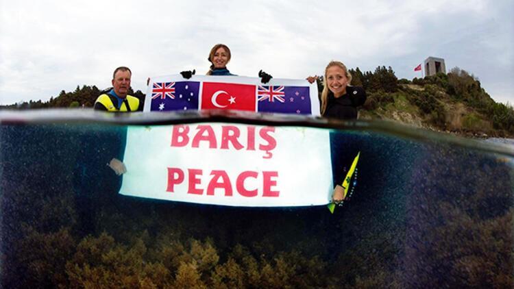 Nefeslerini dünya barışı için tuttular