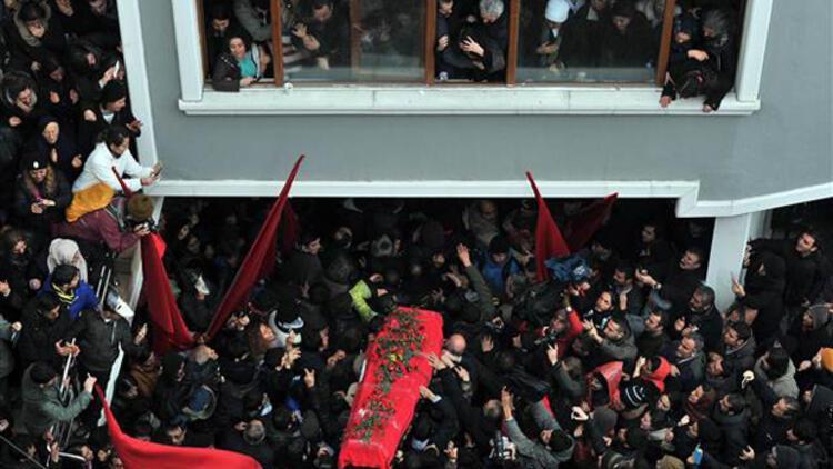 Türkiye Berkin'e ağlıyor