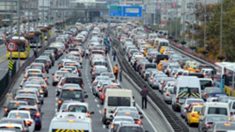İstanbul'un yol sefası 6 saat sürdü