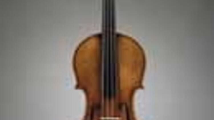 Stradivarius kemana 2, 7 milyon dolar