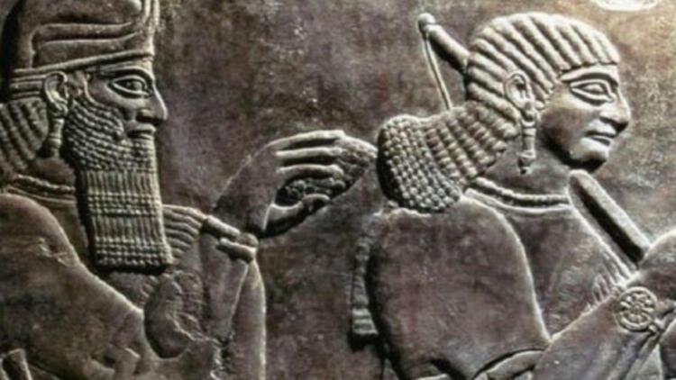 IŞİD antik kente dozerlerle girdi
