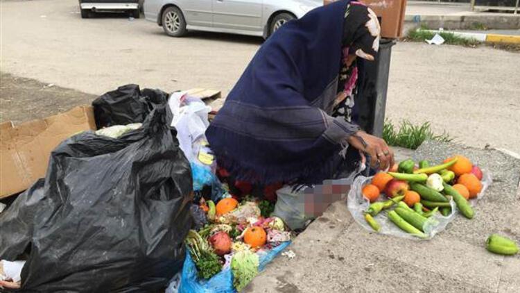 Çöpten meyve sebze toplayan kadın 4 aydır kirasını da ödeyemiyor