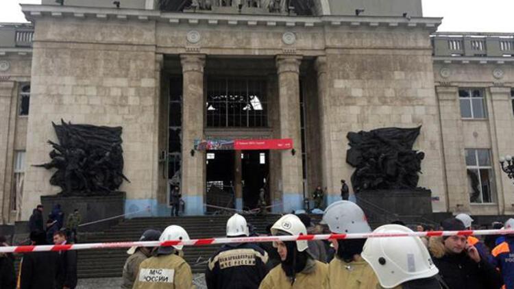 Rusya'da tren istasyonunda 'kara dul' saldırısı