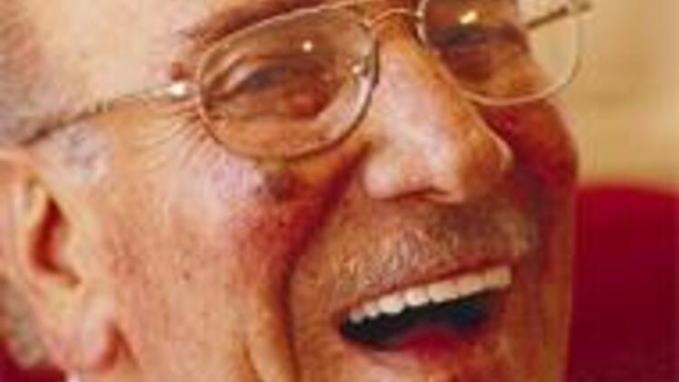 Darbe sabahlarının demokrat türkücüsü Hasan Mutlucan