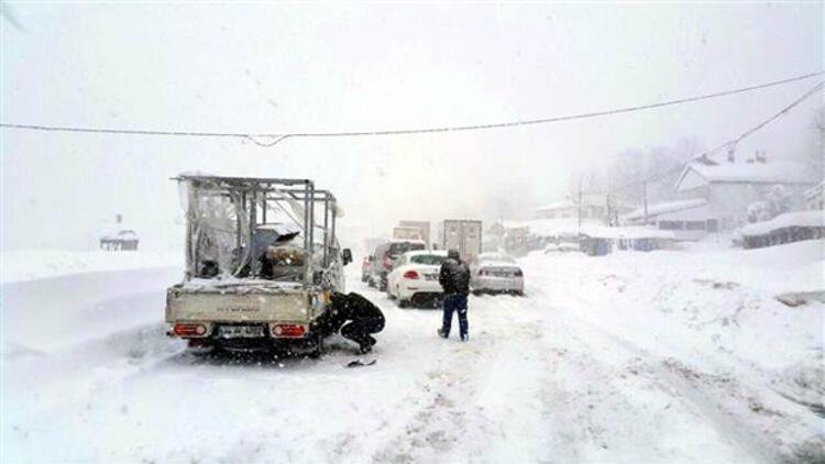 İstanbul - Ankara yoluna çığ düştü