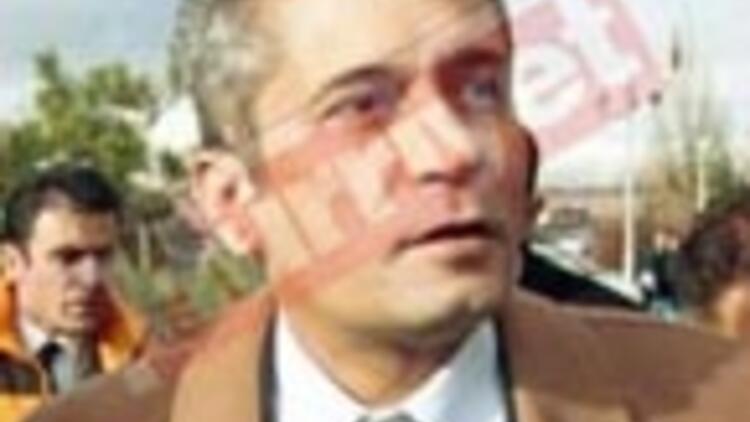 Adil Serdar Saçan kazada yaralandı