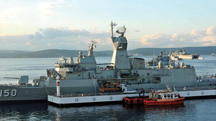 Yenilmez Armada Çanakkale'ye ziyarete geldi