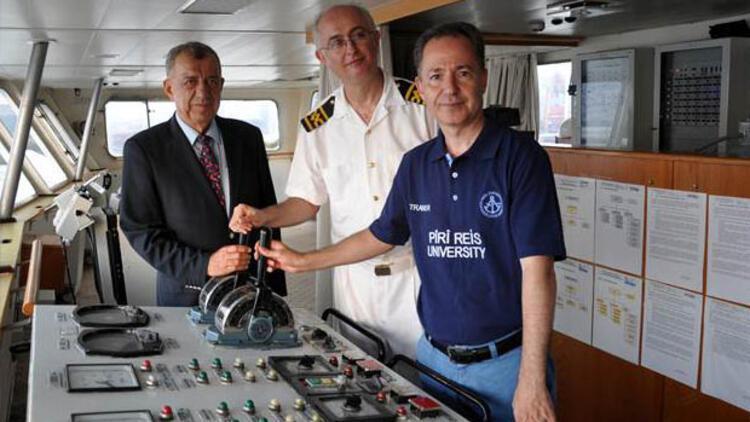 Piri Reis Üniversitesi'nin gemisi yelken açtı