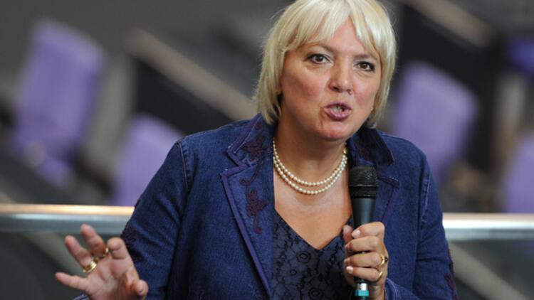 Claudia Roth'dan, Erdoğan'a IŞİD eleştirisi